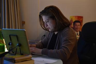 中国の対ウイグル族政策を批判する記事を書いたフランス人記者ウルスラ・ゴーティエさん(GREG BAKER/AFP/Getty Images)