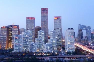 中国の首都北京は、毎年11センチほど沈んでいるという研究報告書がこのたび、公表された。写真は2013年11月の北京市(Wang Zhao/AFP/Getty Images)
