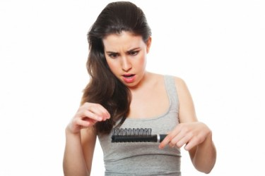 アメリカ発の人気シャンプー、ウェン(WEN)の使用で抜け毛の増加や髪の毛が切れる、あるいは円形脱毛症や痒み、湿疹などが引き起こされたと、消費者1千人以上が被害を訴えている(Fotolia)