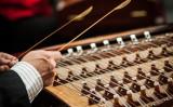 2月16日に米シアトルで予定されていた中国で著名なオーケストラ団「北京民族楽団」のコンサートは、22人の団員の訪米ビザが下りなかったため、中止となった(Lance Cheung/USDA Photo)