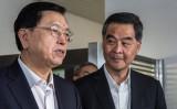 香港紙「成報」は21日の夕刊に緊急声明文を発表。中央指導部の張徳江・全人代委員長、梁振英・香港行政長官らを糾弾する記事を掲載してから、上層部と従業員は身の安全にかかわる脅威を受けていると主張した(Photo credit should read ANTHONY WALLACE/AFP/Getty Images)