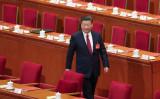 北京の人民大会堂で15日まで開催されていた、第12回全国人民代表大会。同日の閉幕式に参加する習近平国家主席 (Lintao Zhang/Getty Images)