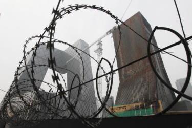 中国国営テレビ(CCTV)の毎年恒例の番組「3.15晩会」について、「大規模な恐喝キャンペーンだ」と交流サイト(SNS)で中国国内のネットユーザーの話題となっている。そして番組が、近年、真に消費者権益保護のためではなく、もはやCCTVの金儲けの手段に成り下がってしまったと非難が集中している (Franko Lee/AFP/Getty Images) 制限