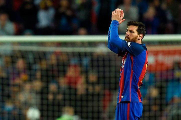 4月26日、スペインリーグで、所属するFCバルセロナ対CAオサスナの試合に出場した、ライオネル・メッシ選手(LLUIS GENE/AFP/Getty Images)