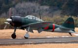 「零戦」が日本へ初里帰り、東京湾の平和な空へ(株式会社エアレース・ジャパン)