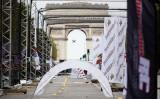 2017ドローン世界チャンピオンズリーグがパリで開催された。写真は2016年9月開催時のもの、凱旋門ちかくに設置されたゲート(Paris Drone Festival)