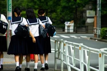 中学生の約7割が将来、ロボットに仕事を奪われることに不安を感じている(しおしお)