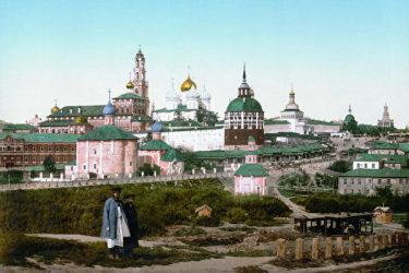 世界文化遺産に登録された至聖三者聖セルギイ大修道院(ウィキペディア)