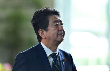 7月2日、首相官邸にて安倍晋三首相(KAZUHIRO NOGI/AFP/Getty Images)