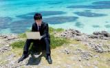 海外赴任者の一時帰国はショッピングと国内旅行でリフレッシュ=調査(モデル:大川竜弥)