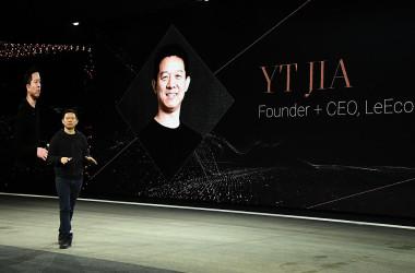 2017年1月、米ラスベガスの技術博で登壇した、中国インターネット動画配信大手の楽視網信息技術(以下、楽視網)の創業者で会長の賈躍亭氏(Ethan Miller/Getty Images)