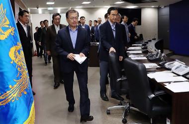 9月3日、北朝鮮による6回目の核実験強行に、NSCを開く韓国の文在寅大統領(Getty Images)