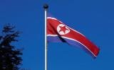 9月18日、米上院外交委員会東アジア等小委員長のガードナー議員(共和党)は、中国や他の20カ国に対し、北朝鮮との国交断絶を求めるとともに、北朝鮮の国連追放に向け協力を要請した。写真は北朝鮮国旗。2014年10月撮影(2017年 ロイター/Denis Balibouse)
