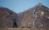 中朝国境近くに立つ万里の長城(JOHANNES EISELE/AFP/Getty Images)