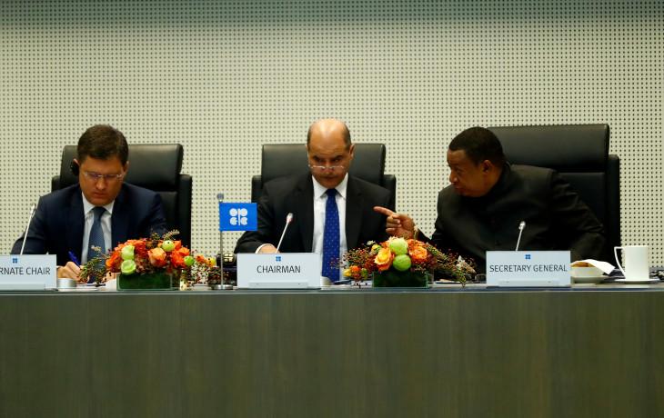 9月22日、OPEC加盟国と非加盟国は、産油国の協調減産を点検する合同閣僚監視委員会の会合を開いた(2017年 ロイター/Leonhard Foeger)