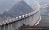 手抜き工事が発覚した上海と昆明を結ぶ滬昆高速鉄道。(大紀元資料室)