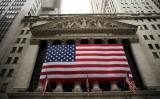 今年、16社の中国企業が米ニューヨーク株式市場に新規株式上場を果たした。しかしうちの10社の株価はIPO初日の発行価格から5.7%下落した。写真は米ニューヨーク証券取引所。(Spencer Platt/Getty Images)