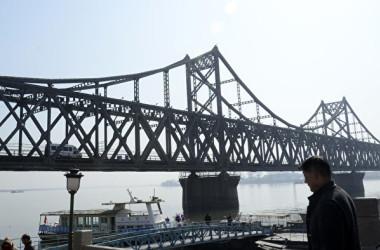 中朝国境の中国側から見た風景です。(WANG ZHAO/AFP/Getty Images)