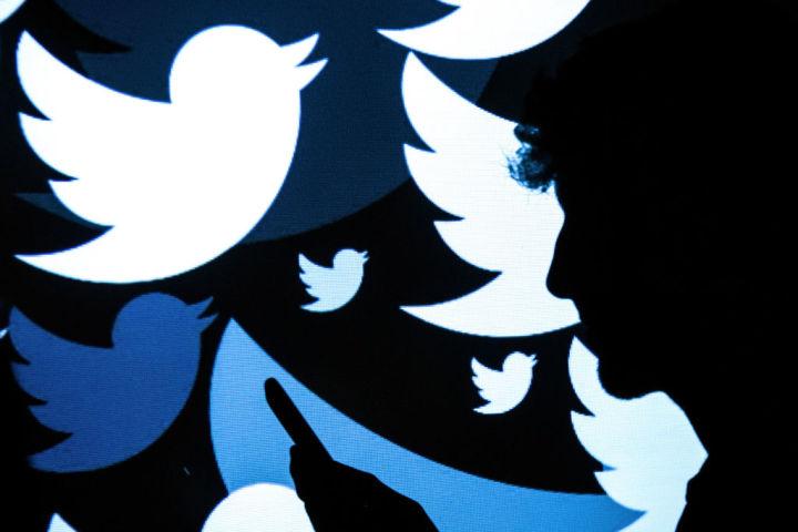 ツイッター社はトランプ米大統領のアカウントを永久に停止した。インターネット上における言論の自由を保護するため、ポーランド政府は新たな法案を起草している。写真はツイッターのロゴ。(Leon Neal/Getty Images)