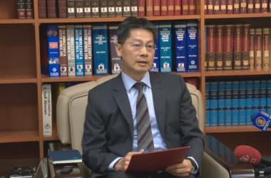 台湾外交部の李憲章報道官は中国の抗議が「報道の自由に違反している」とコメント。(新唐人)