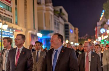 7月、北朝鮮を訪朝の後にベトナムを訪問したマイク・ポンペオ国務長官(VOA)