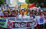 6月10日、ベトナム・ホーチミン市に行われた反中デモの様子(Kao NGUYEN/AFP)