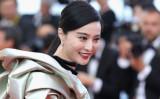 2018年5月11日、第71回カンヌ国際映画祭で赤カーペットを歩く中国国民的女優のファン・ビンビン(范冰冰)さん(Emma McIntyre/Getty Images)