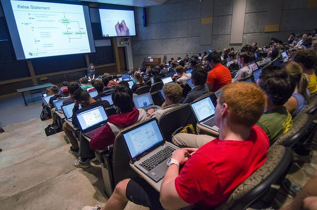 コロラド州立大学の授業の一コマ(Glenn Asakawa/University of Colorado/CC)