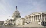 中国当局が米国向け生産されたサーバーにスパイチップを埋め込んだとの報道を受け、米上院議員2人はスーパーマイクロ経営者宛てに情報提供を求める書簡を出した。写真は米国会(Samira Bouaou/The Epoch Times)