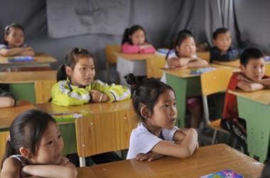 小学校教員は、警察署長の娘を叱ったら数時間拘束されたとネットで告発した 参考写真 (PETER PARKS/AFP/Getty Images)