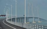 中国広東省珠江市と香港とマカオを結ぶ海上橋、港珠澳大橋が10月23日に開通した(PHILIP FONG/AFP/Getty Images)