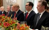 12月1日、米国のトランプ大統領と中国の習近平国家主席がアルゼンチンで首脳会議を行い、米中貿易摩擦をめぐって一定の歩み寄りをみせた(SAUL LOEB/AFP/Getty Images)