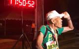 日本人の88歳のランナーがホノルルマラソンに参加。17時間50分で完走した(Honolulu marathon)