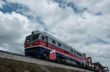 2018年6月、ケニアのナイロビにある標準軌鉄道(SGR)の工事作業現場 (Yasuyoshi Chiba/AFP/Getty Images)