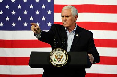 ペンス米副大統領は16日「中国当局は国際ルールを無視している」「債務トラップ外交や不公平な貿易慣行で影響力を拡大した」と非難した(Sara D. Davis/Getty Images)