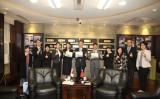 日本のNPO、台湾の小学校に2万3000冊の絵本を寄付(台湾教育部)