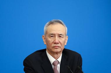 米中通商協議のため、米国に到着した中国の劉鶴副首相一行はこのほど、強制立ち退きの被害者とみられる中国人陳情者から強い抗議を受けた(Getty Images)
