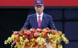 2月2日、台湾台北市内の展示会場で開かれた鴻海全社忘年会で、郭台銘会長は米ウィスコンシン州の液晶ディスプレイパネル工場計画を継続することを明らかにした( HSU TSUN-HSU/AFP/Getty Images)