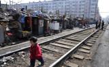 中国当局と中国政府系メディアはこのほど、景気悪化と個人消費低迷実状を認めた。写真は2009年3月11日遼寧省瀋陽市にあるスラム街で撮影(China Photos/Getty Images)
