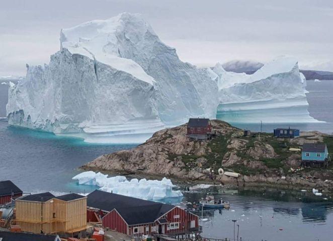 デンマーク領グリーンランド西部の街、2018年7月撮影(MAGNUS KRISTENSEN / Ritzau Scanpix / AFP/ Getty Images)