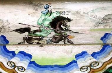 兄の劉備を尋ねて千里を駆け抜ける関羽(北京・頤和園の回廊絵画)(Shizhao / Wikimedia Commons CC BY-SA 3.0 )