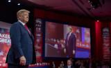 トランプ米大統領は3月2日、メリーランド州オクソンヒルで開催された保守派による年次集会「保守政治行動会議(CPAC)」で演説した(Tasos Katopodis/Getty Images)