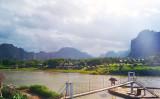 風光明媚な自然が保たれている、ラオスのバンビエン地域。中国企業の観光開発に住民らが強く反発したため、調査は無期限延期になった(gypsetjenn)