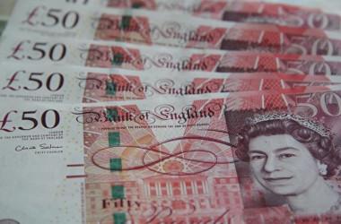 英警察当局はこのほど、資金洗浄(マネーロンダリング)の疑いがあるとして、中国人留学生95人の銀行口座を凍結した(大紀元資料室)