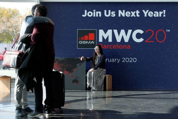 2月28日、スペインのバルセロナで開催された電子機器展示会・携帯世界会議(MWC)の会場(PAU BARRENA/AFP/Getty Images)