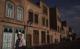 米RFAによると、中国共産党内で改革派として知られている汪洋・中央政治局常務委員が昨年、新疆政策のトップに就任した(Kevin Frayer/Getty Images)