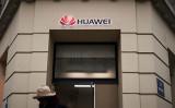 米専門家はこのほど、中国通信機器大手ファーウェイの実質的なオーナーは中国当局であると指摘した(LIONEL BONAVENTURE/AFP/Getty Images)