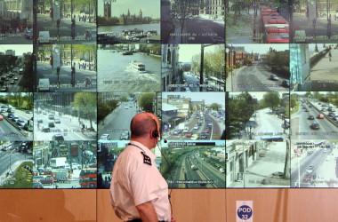 英BBCによると、ファーウェイはパキスタンの監視システムにWi-Fi送信カードを設置した。写真は監視システムのイメージ写真である(Matt Cardy/Getty Images)