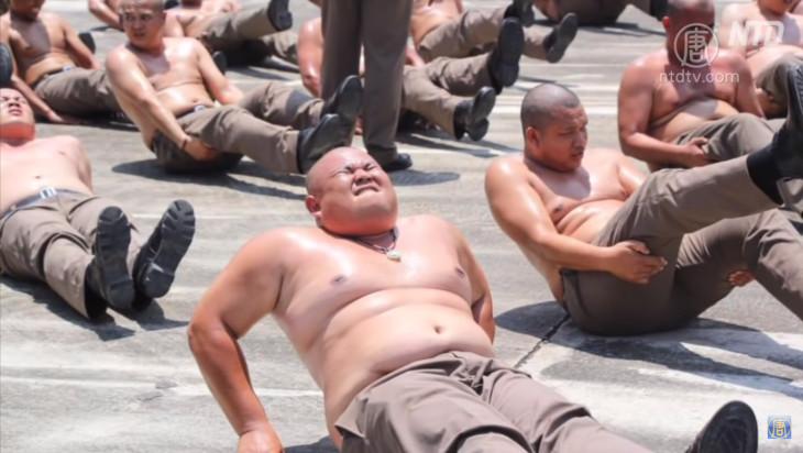 タイで警察の肥満撲滅運動が話題(新唐人スクリーンショット)