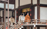 30日午前、陛下は宮中三殿で、退位礼当日賢所大前の儀などの儀式に装束姿で臨まれた(Handout/Imperial Household Agency of Japan via Getty Images)